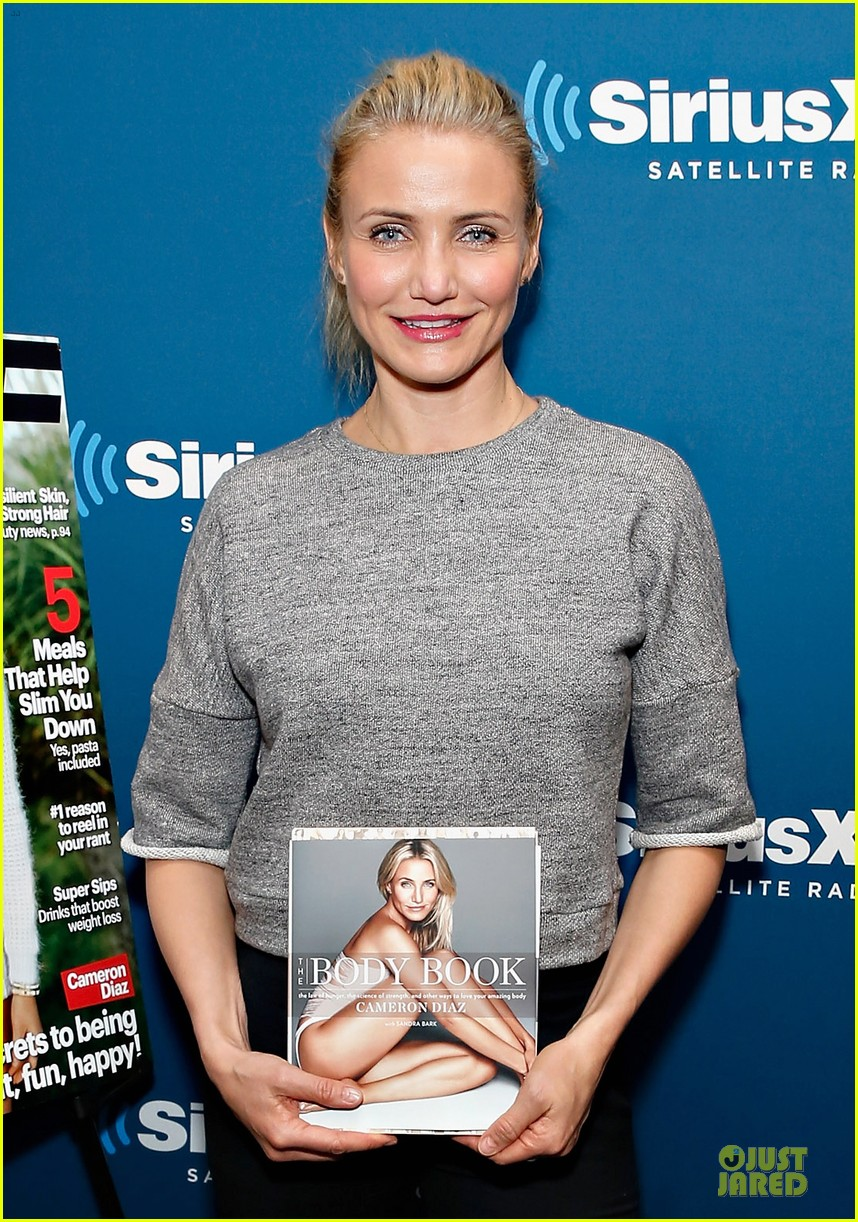 cameron diaz joins facebook 023027558