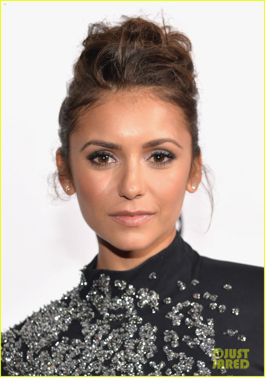 nina dobrev peoples choice awards 2014 red carpet 023025533