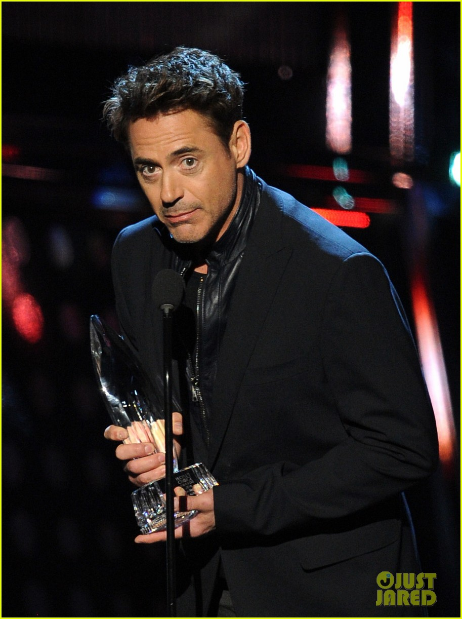 robert downey jr wins favorite action movie star at pcas 063025898
