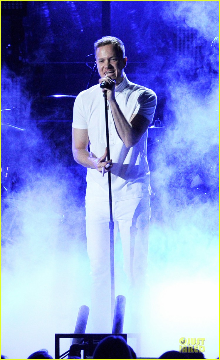 imagine dragons performs radioactive with kendrick lamar at grammys 2014 video 12