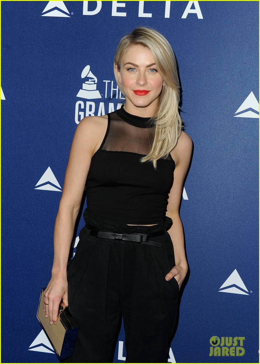 hilary duff julianne hough delta airlines pre grammy party 06