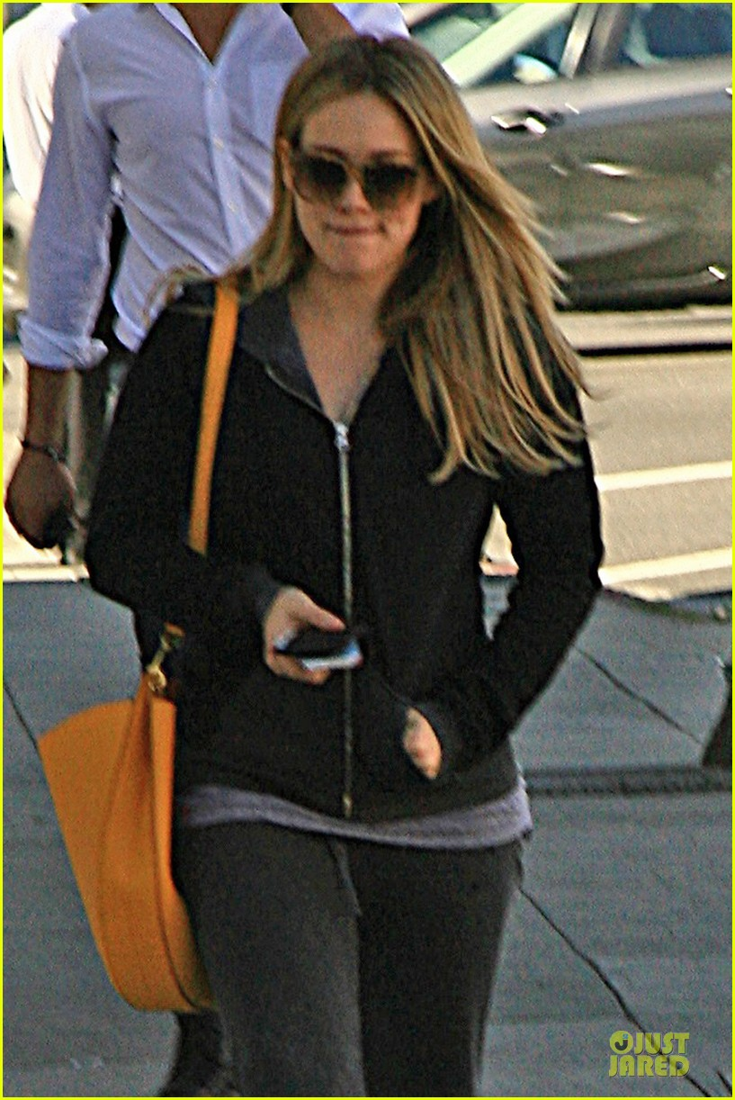 hilary duff late night studio session working on hurts 043025139
