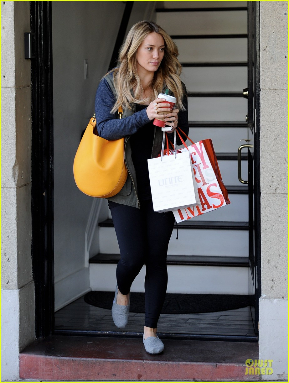 hilary duff park date with luca after hair appointment 16