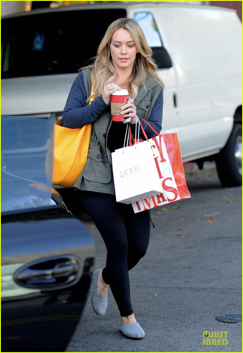 hilary duff park date with luca after hair appointment 19