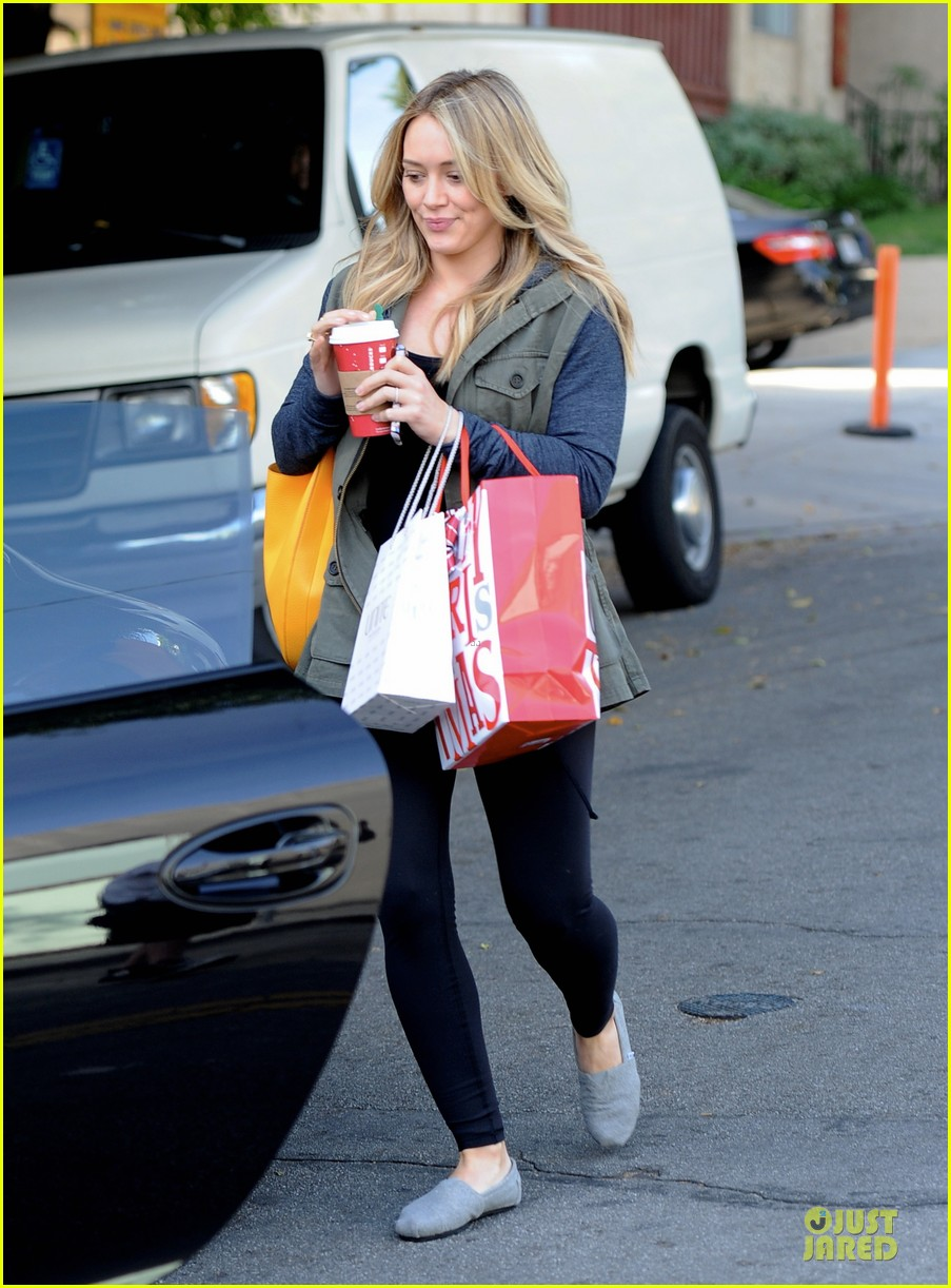 hilary duff park date with luca after hair appointment 213022424