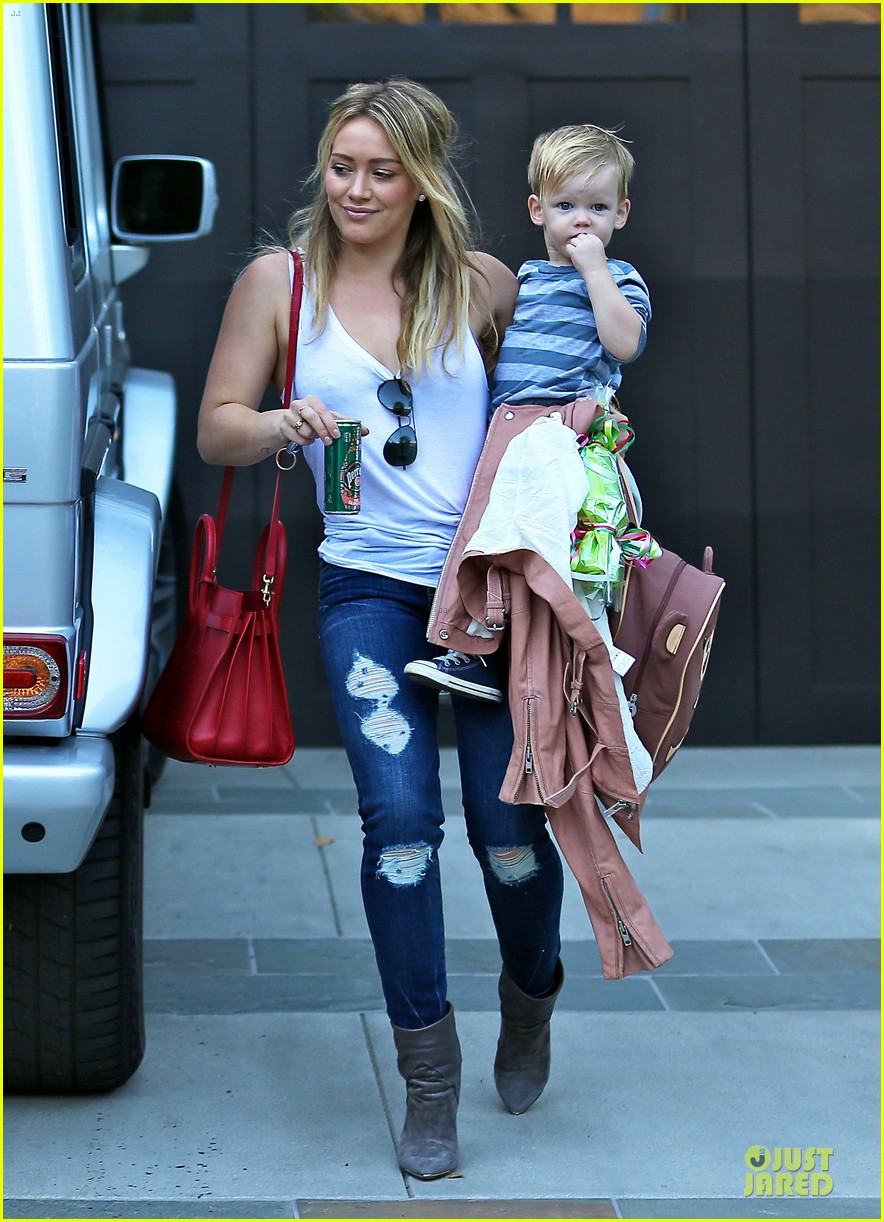 hilary duff steps out without wedding ring photo 3030523 celebrity babies hilary duff luca comrie mike comrie pictures just jared - Hilary Duff Wedding Ring