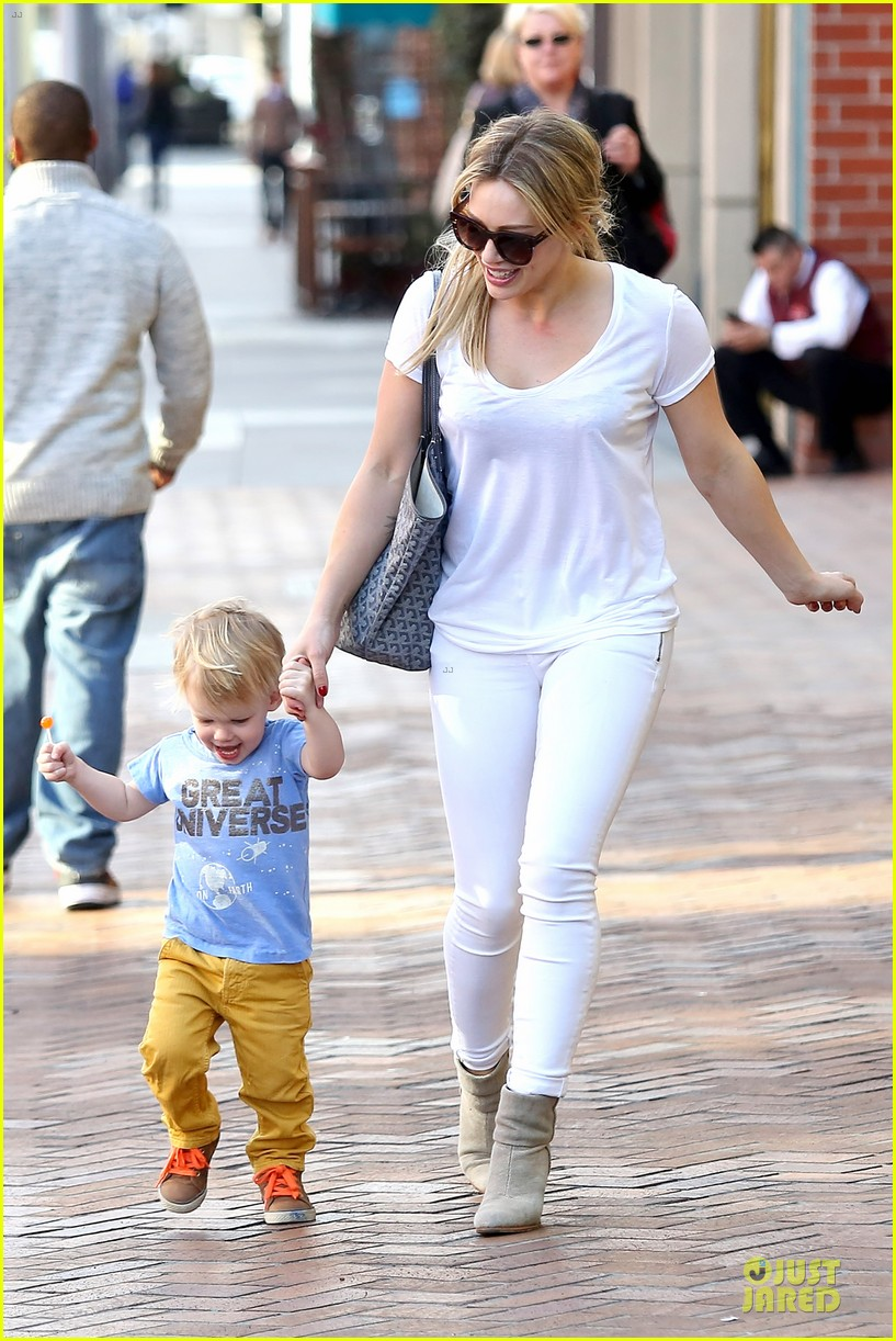 hilary duff its a great universe with luca 14