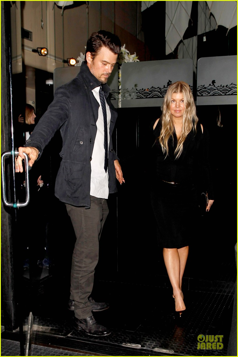 fergie josh duhamel celebrate fifth wedding anniversary 083027852