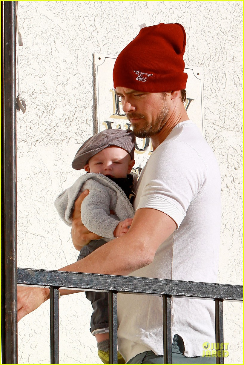 fergie josh duhamel celebrate fifth wedding anniversary 243027868