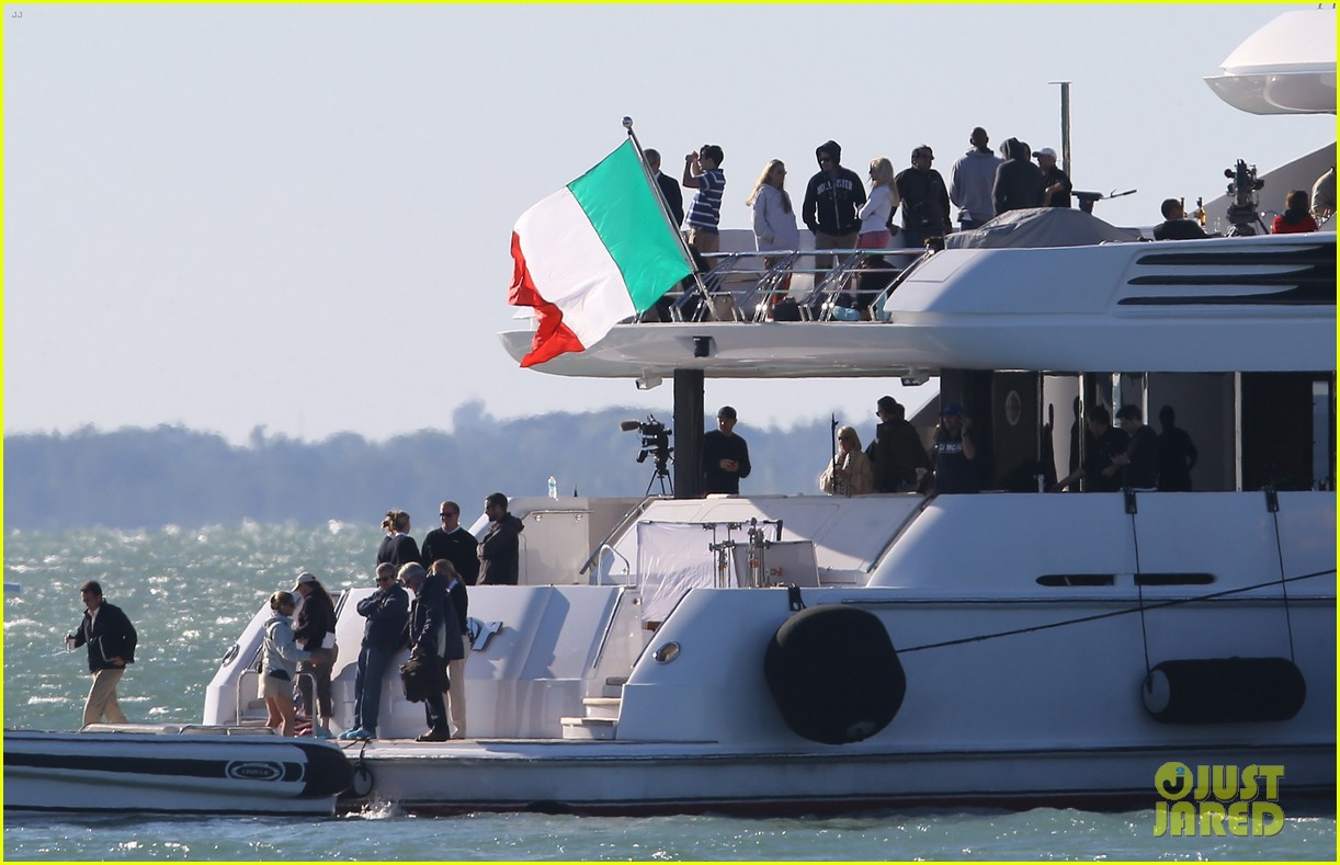 entourage movie begins filming in miami set photos here 08