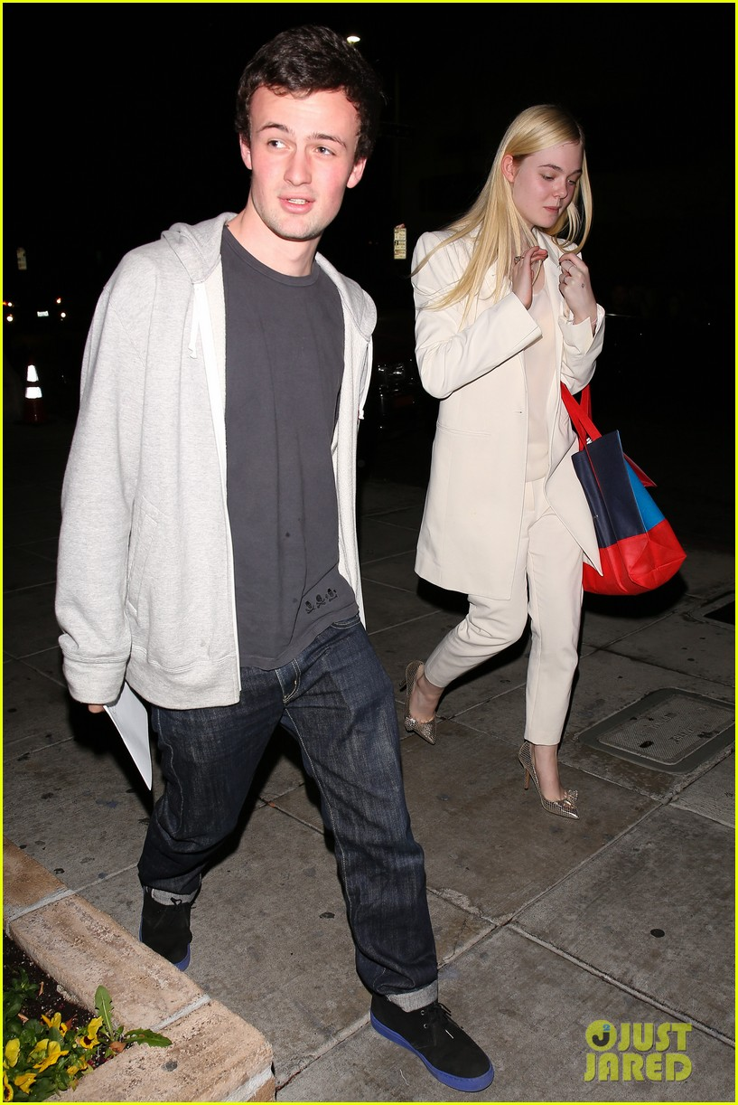elle fanning matsuhisa dinner date with male friend 013042205