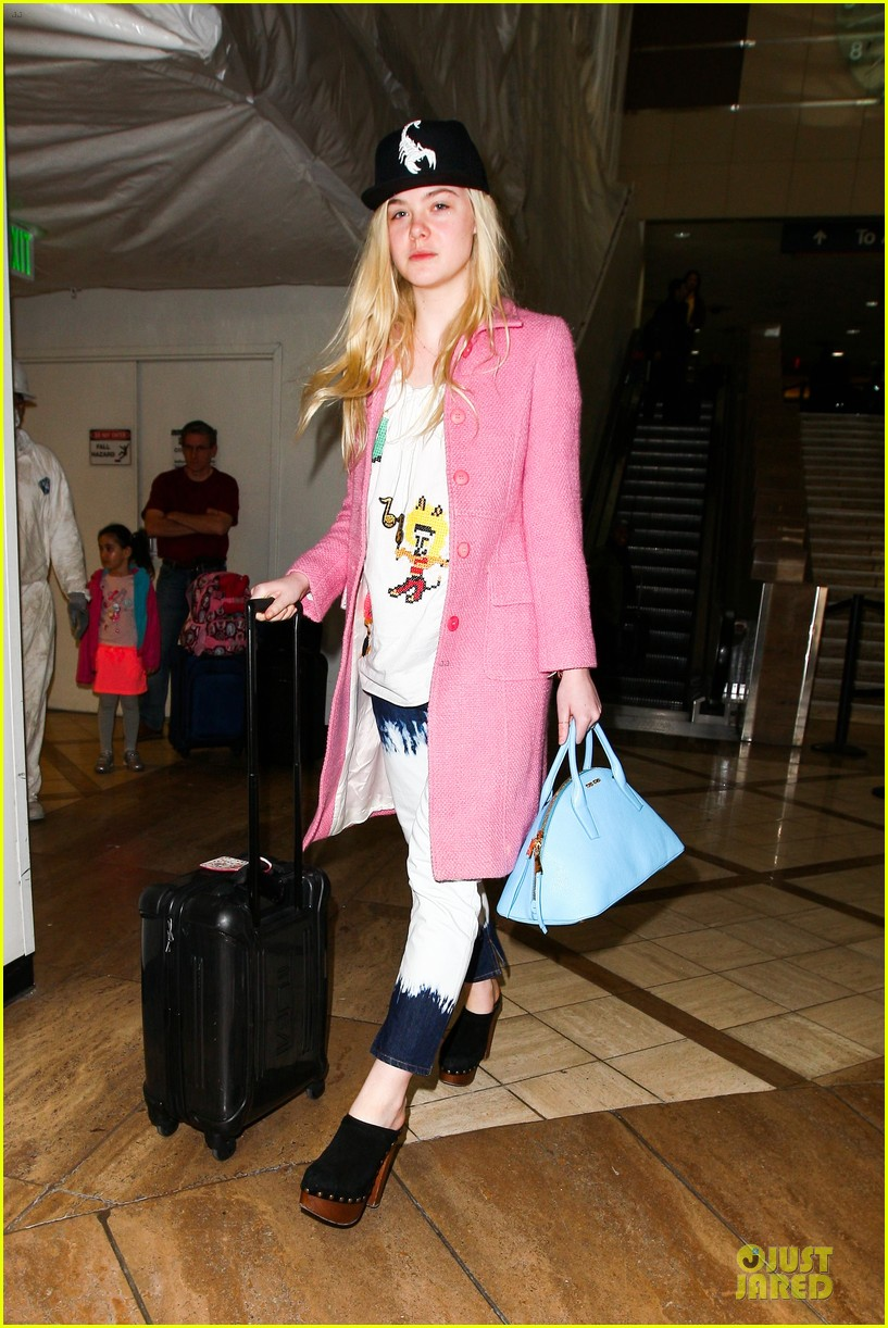 elle fanning wraps up sundance promo with lax landing 01
