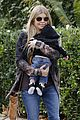 fergie josh duhamel step out with axl after fifth wedding anniverary 07