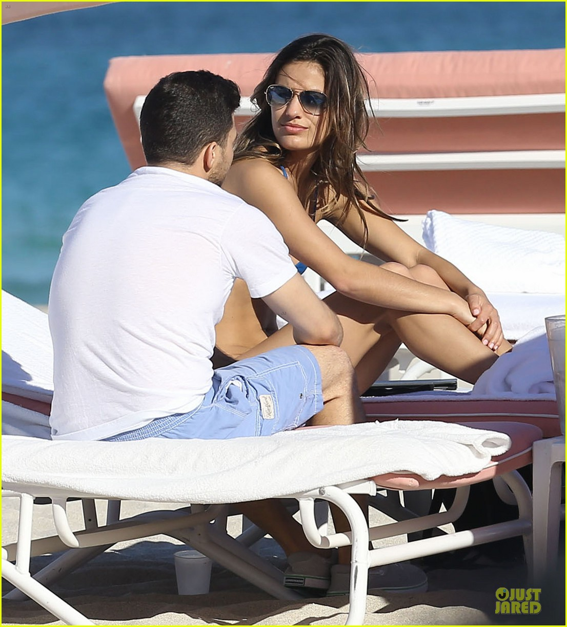 jerry ferrara shirtless miami beach lounging with girlfriend 063036113