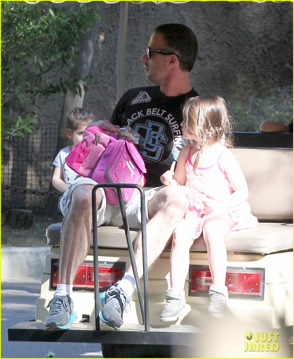freddie prinze jr charlotte have father daughter zoo date 05