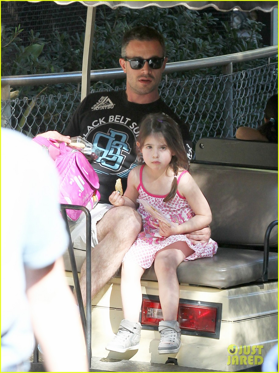 freddie prinze jr charlotte have father daughter zoo date 06