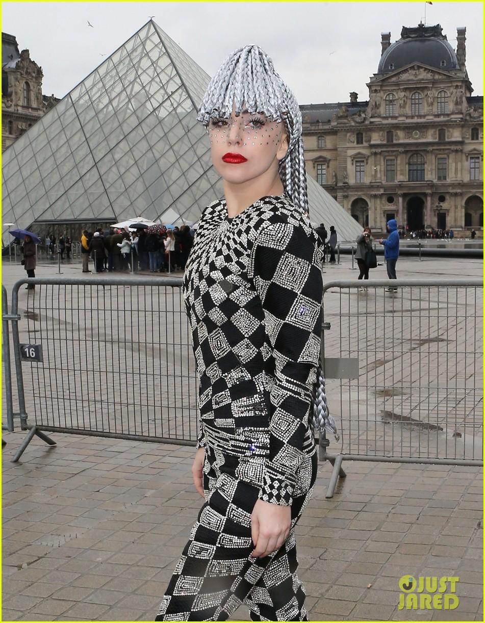 lady gaga visits museums during paris trip 08