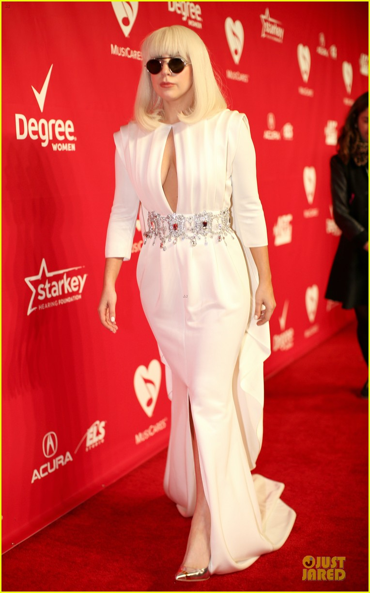 lady gaga white cut out dress at musicares gala 2014 03