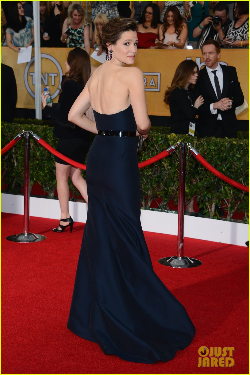 jennifer garner sag awards 2014 red carpet 02