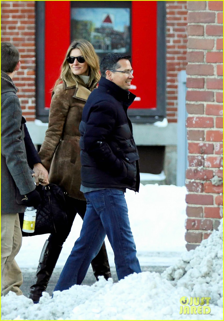 gisele bundchen tom brady boston fun with benjamin 04