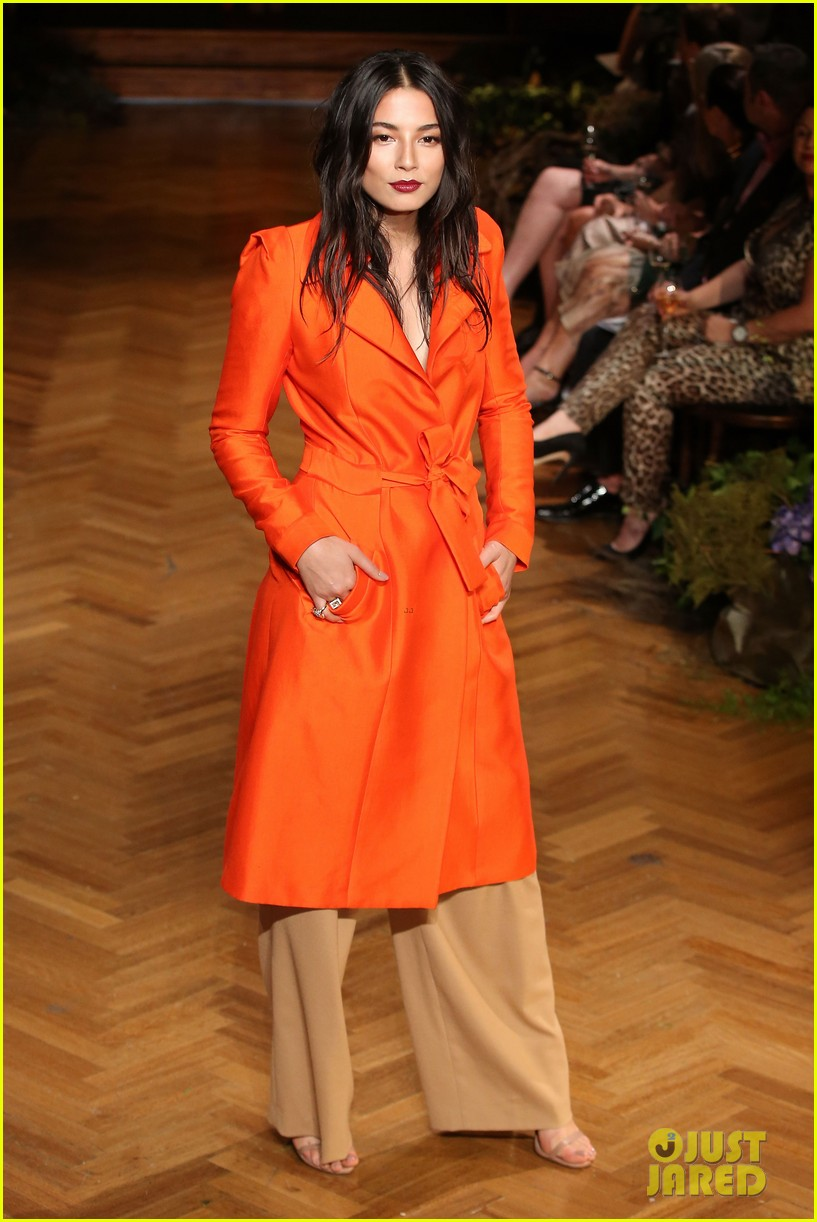 jessica gomes hits the runway for david jones collection launch 033044066