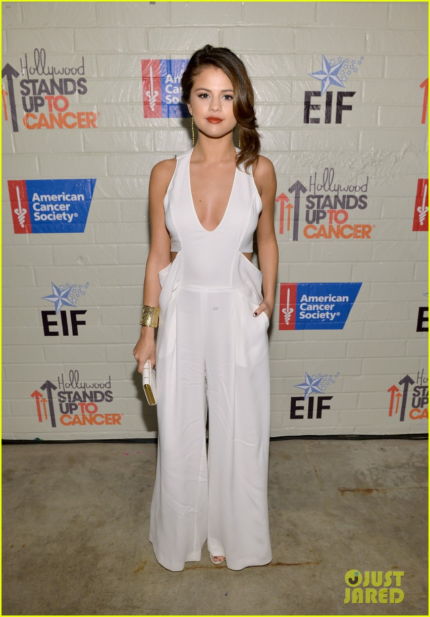 selena gomez lily collins help hollywood stand up to cancer 033043216