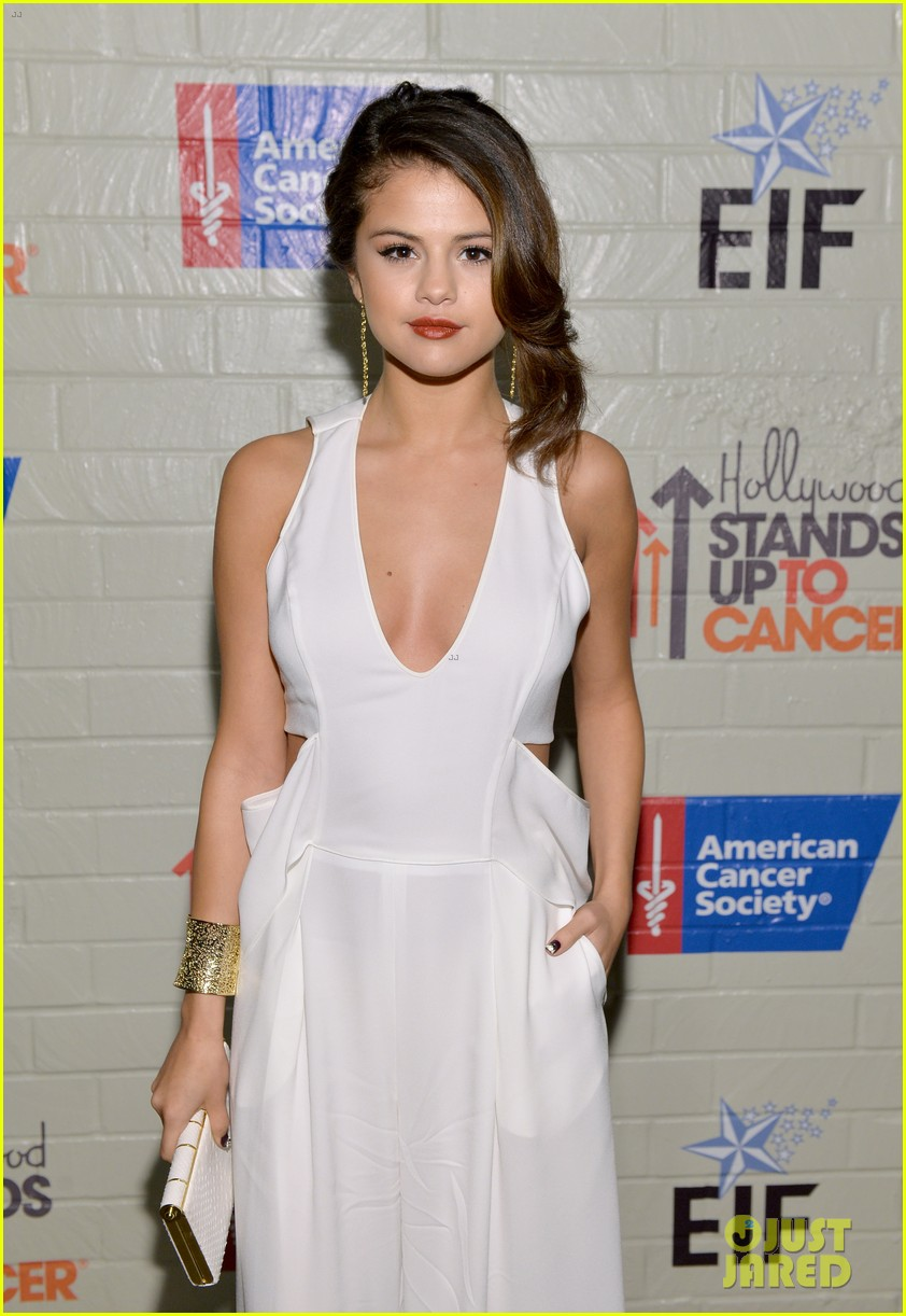 selena gomez lily collins help hollywood stand up to cancer 133043226