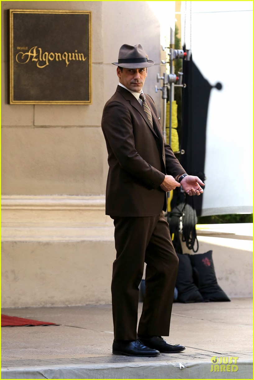jon hamm mad men final season premieres on april 13 09