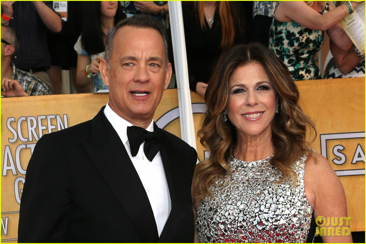 tom hanks sag awards 2014 red carpet with rita wilson 03