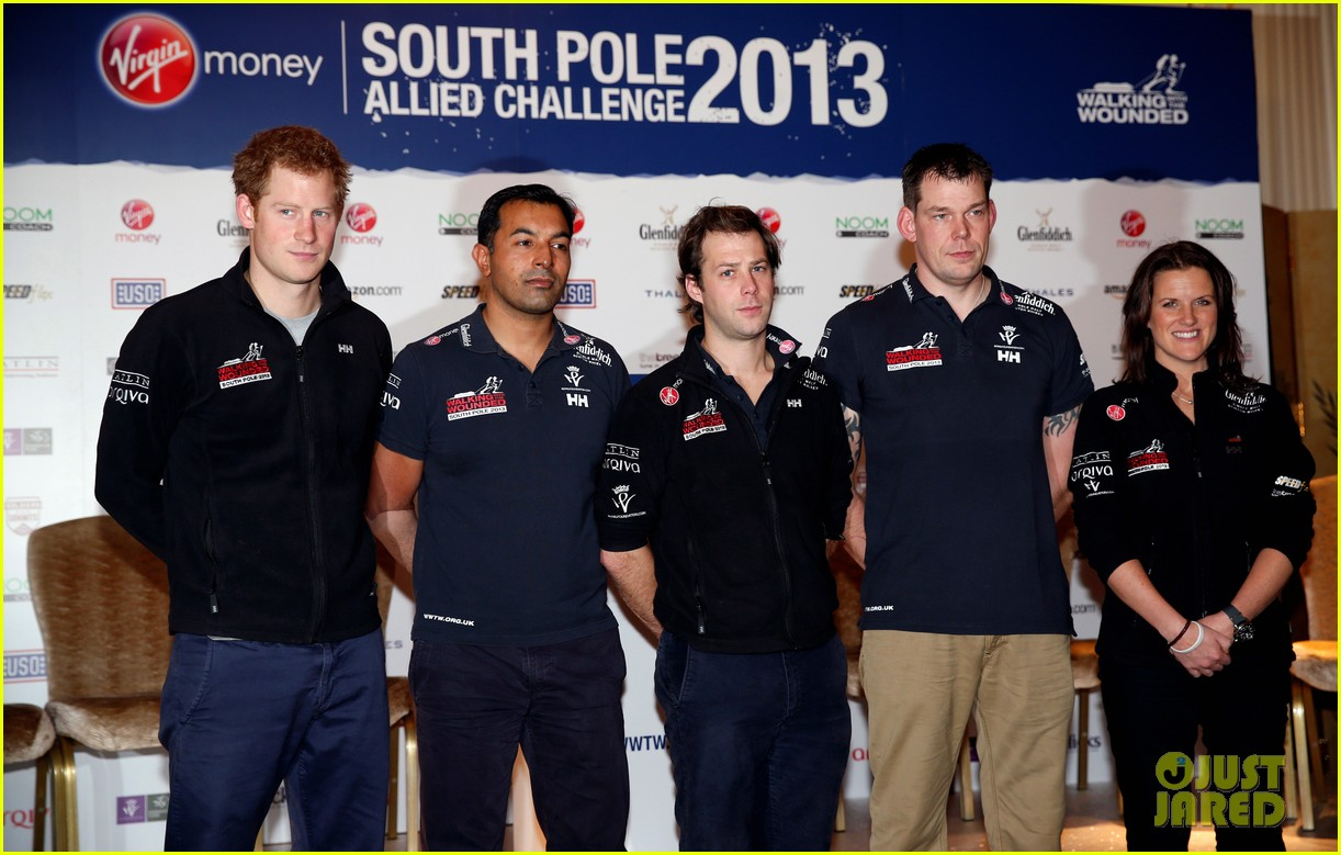 prince harry debuts freshly shaved face at south pole press conference 03