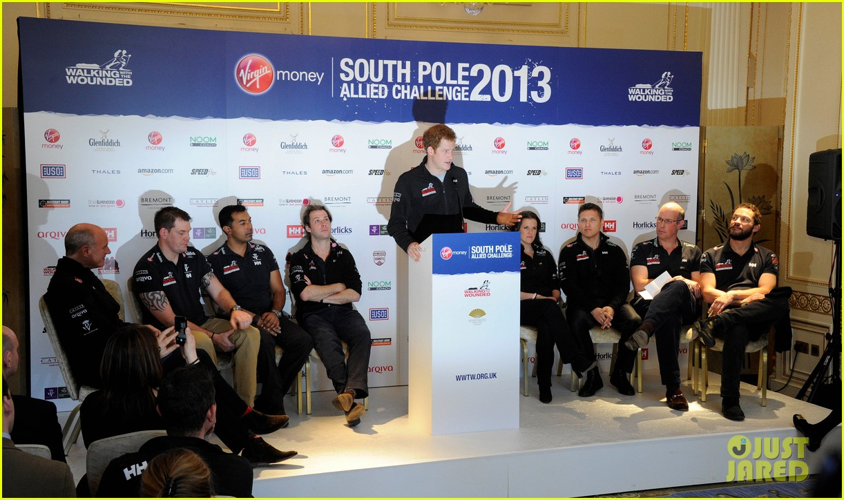 prince harry debuts freshly shaved face at south pole press conference 07
