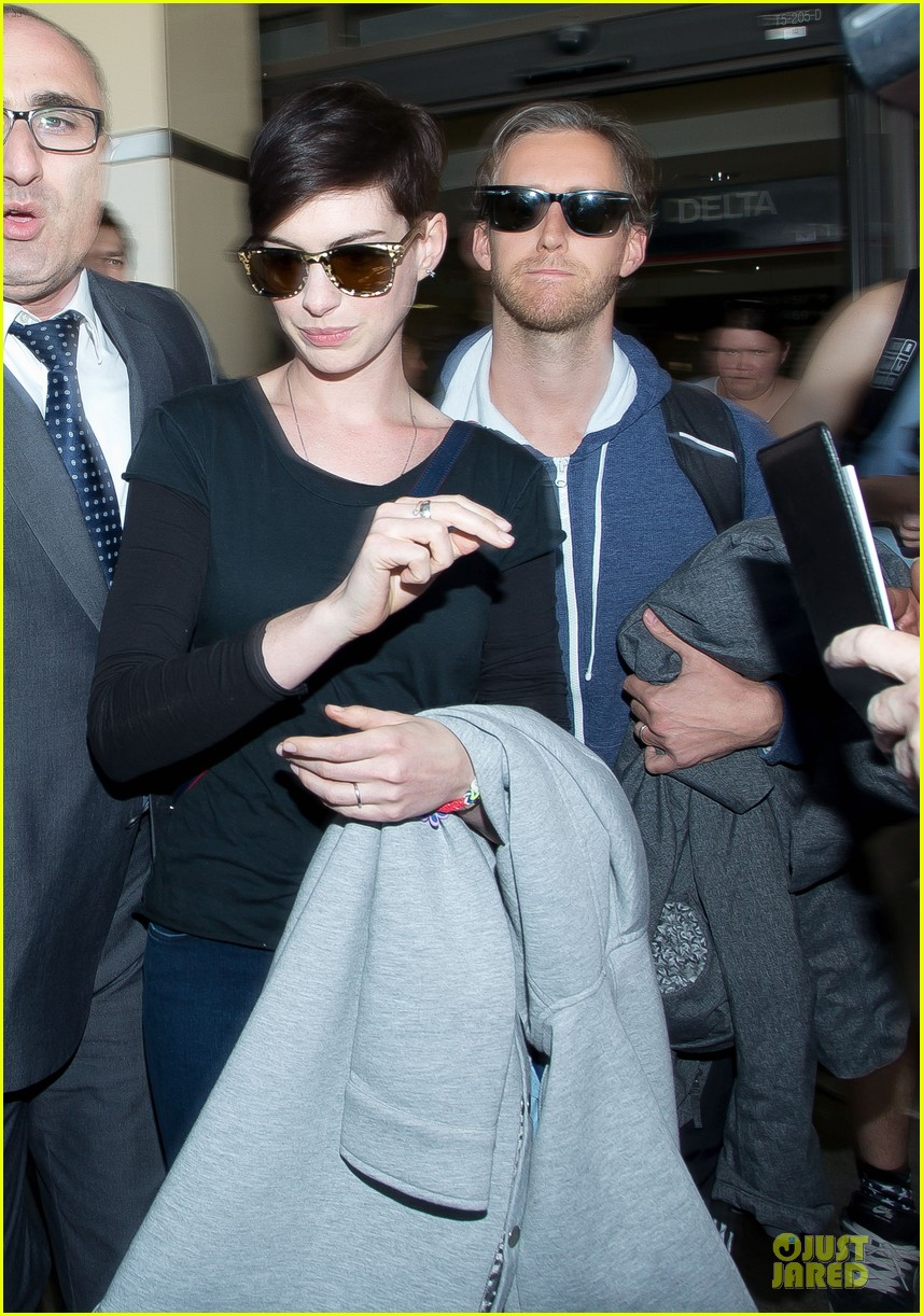 anne hathaway adam shulman the one i love after party 03