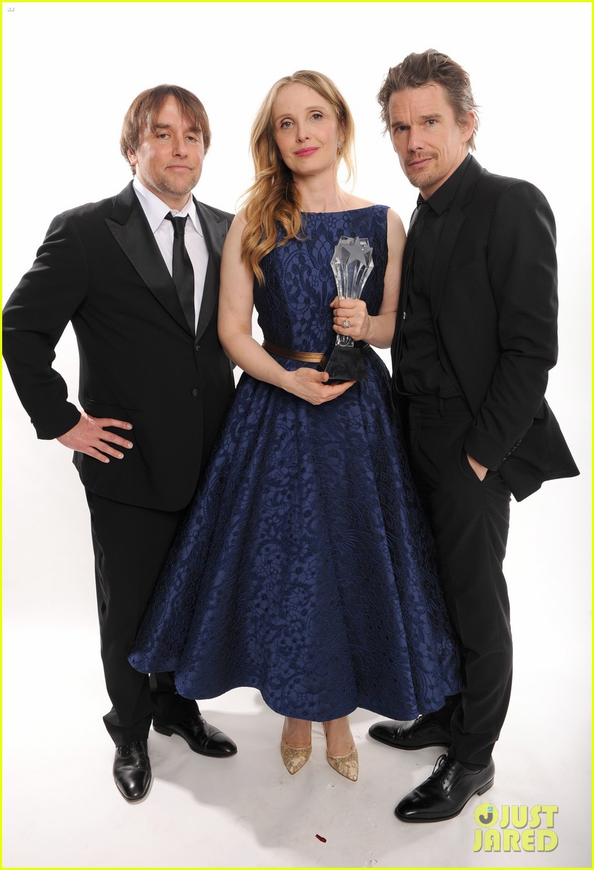 ethan hawke julie delpy win at critics choice awards 2014 033033127