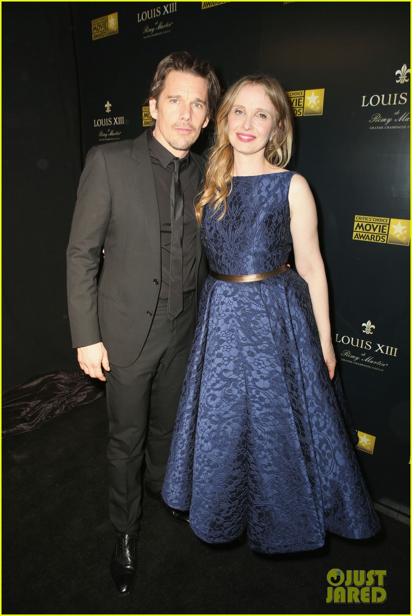 ethan hawke julie delpy win at critics choice awards 2014 173033141