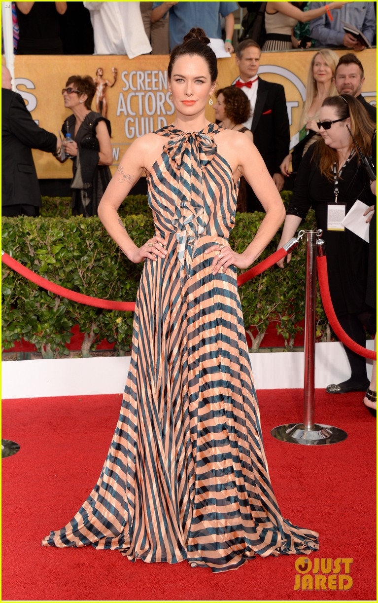 lena headey sophie turner sag awards 2014 red carpet 03