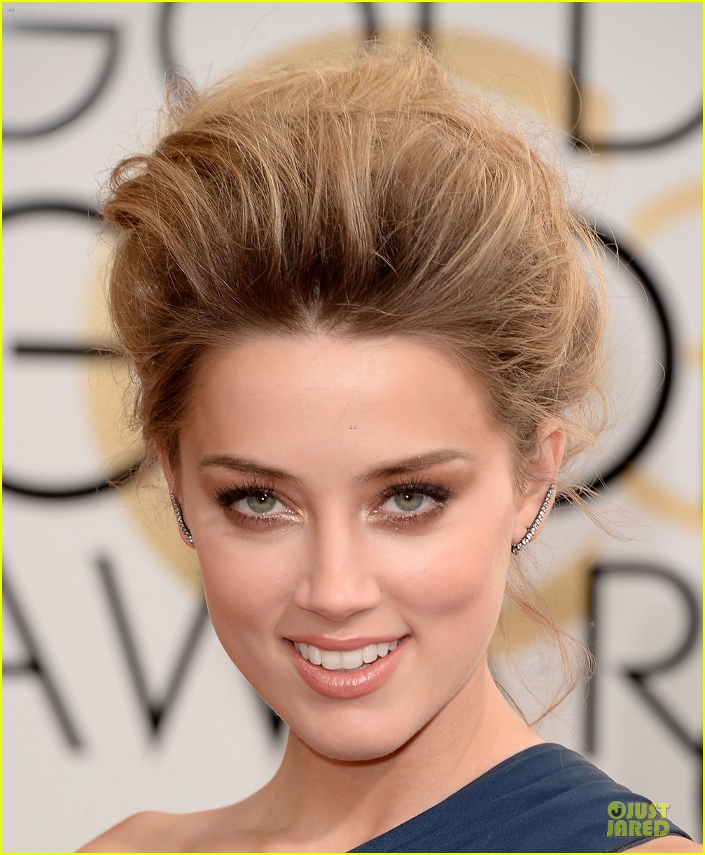 amber heard golden globes 2014 red carpet 023029108
