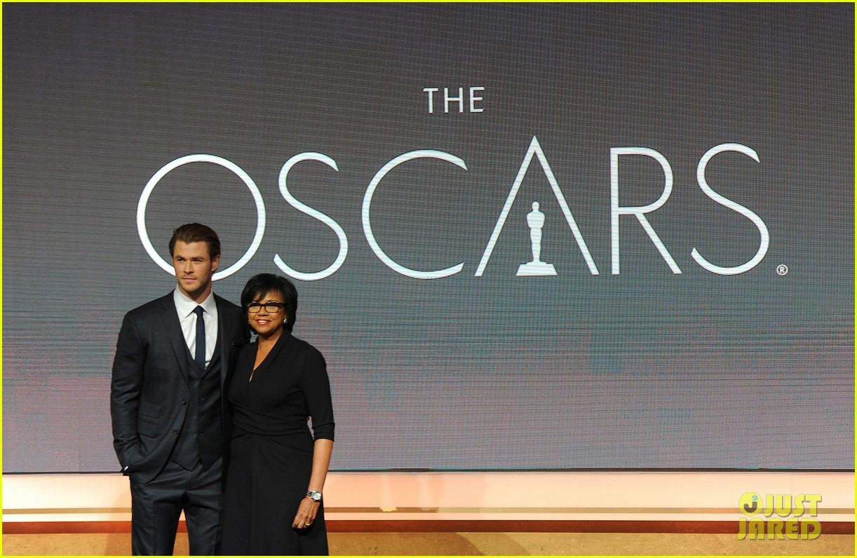 chris hemsworth announces oscar nominations 2014 083032537