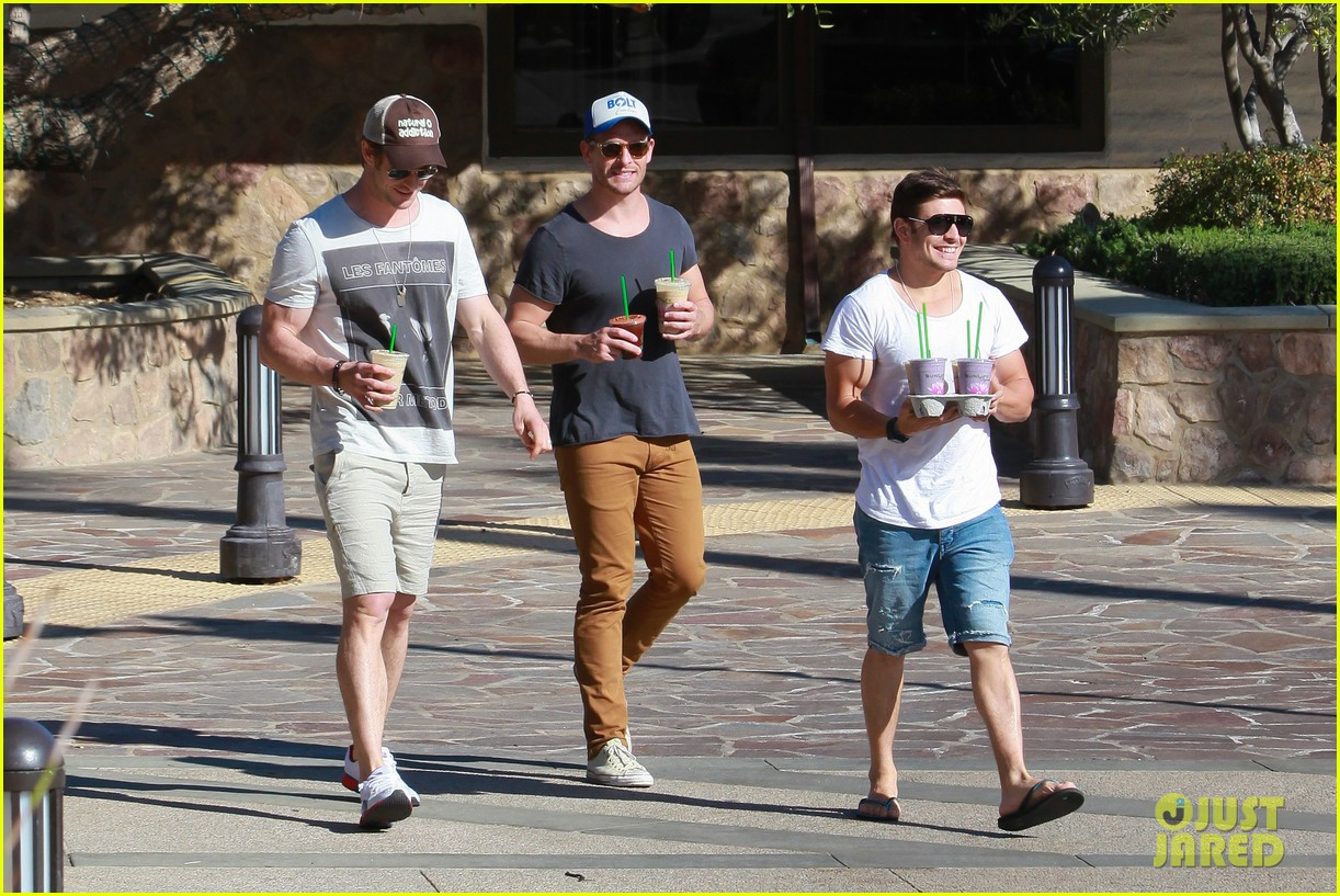 chris hemsworth pavilions grocery outing 013024321