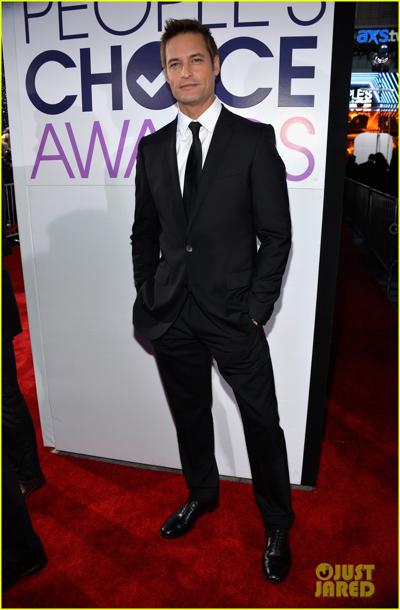 josh holloway peoples choice awards 2014 presenter 06