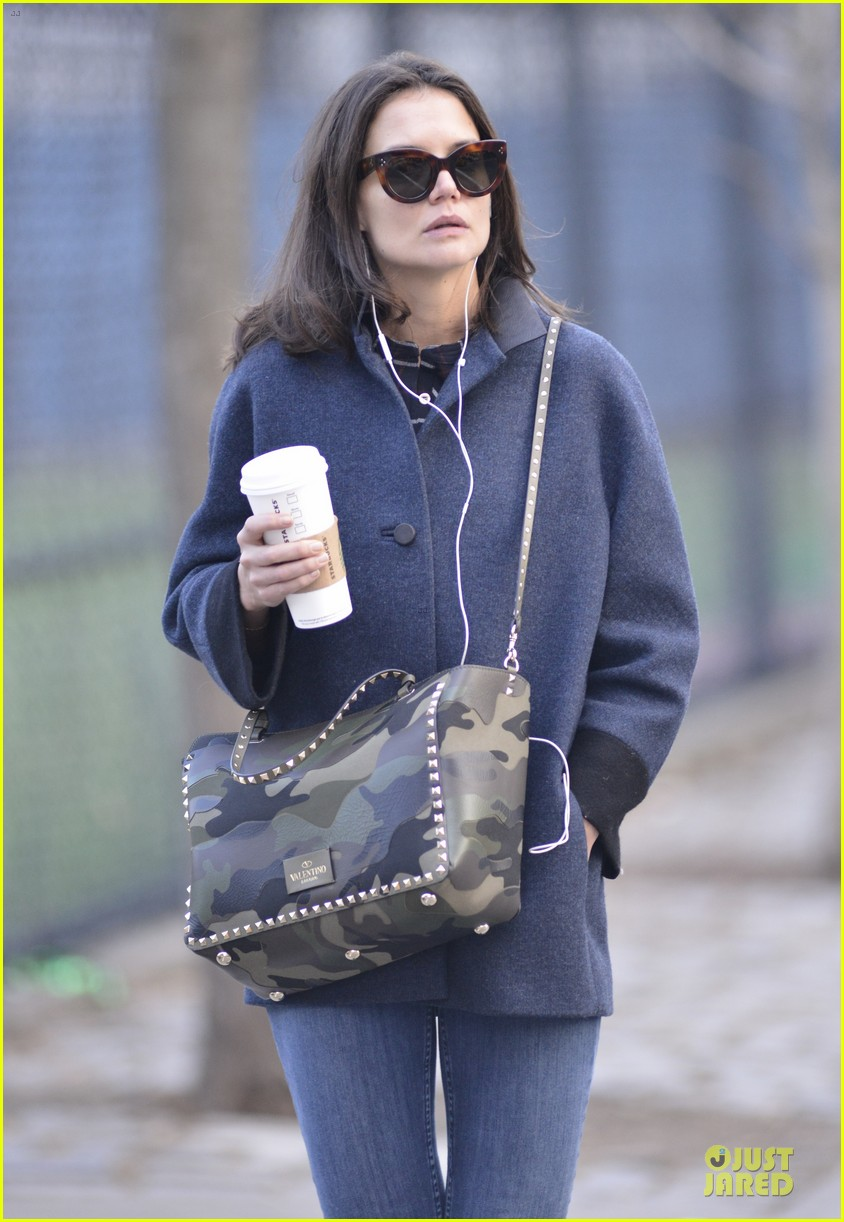 katie holmes raves on zachary quinto glass menagerie 023033921