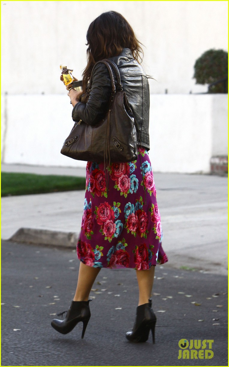 vanessa hudgens hangs out at ashley tisdales home 033040295