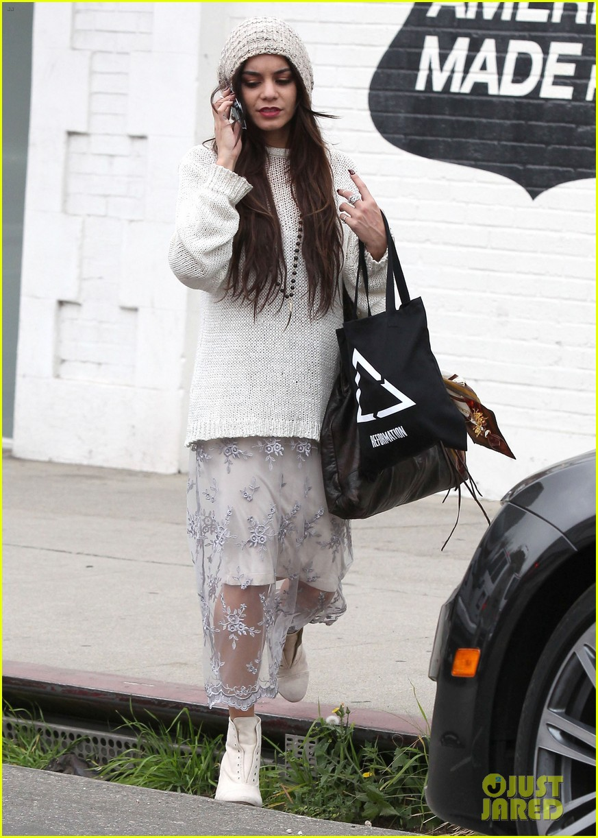 vanessa hudgens channels yoko ono in boho sunglasses 08