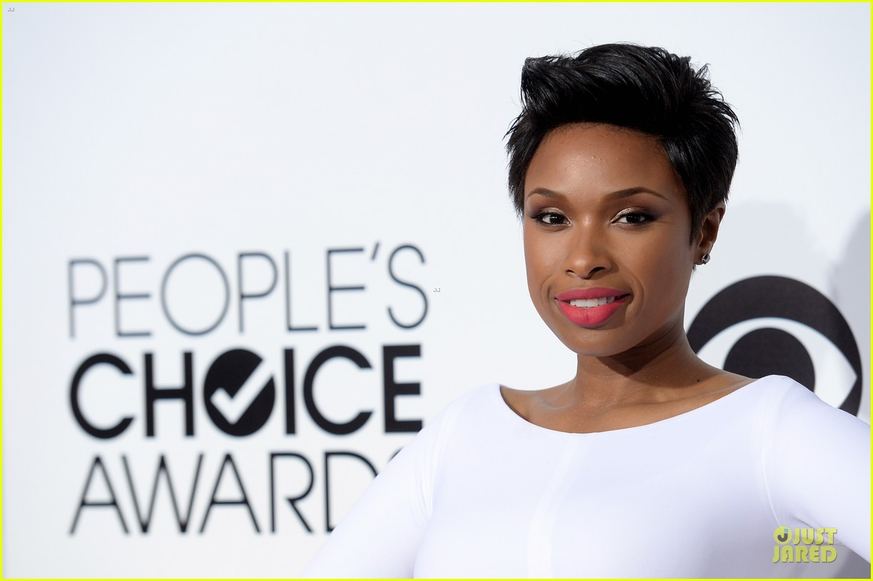 jennifer hudson peoples choice awards 2014 red carpet 04