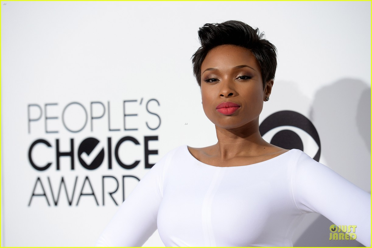 jennifer hudson peoples choice awards 2014 red carpet 113025583