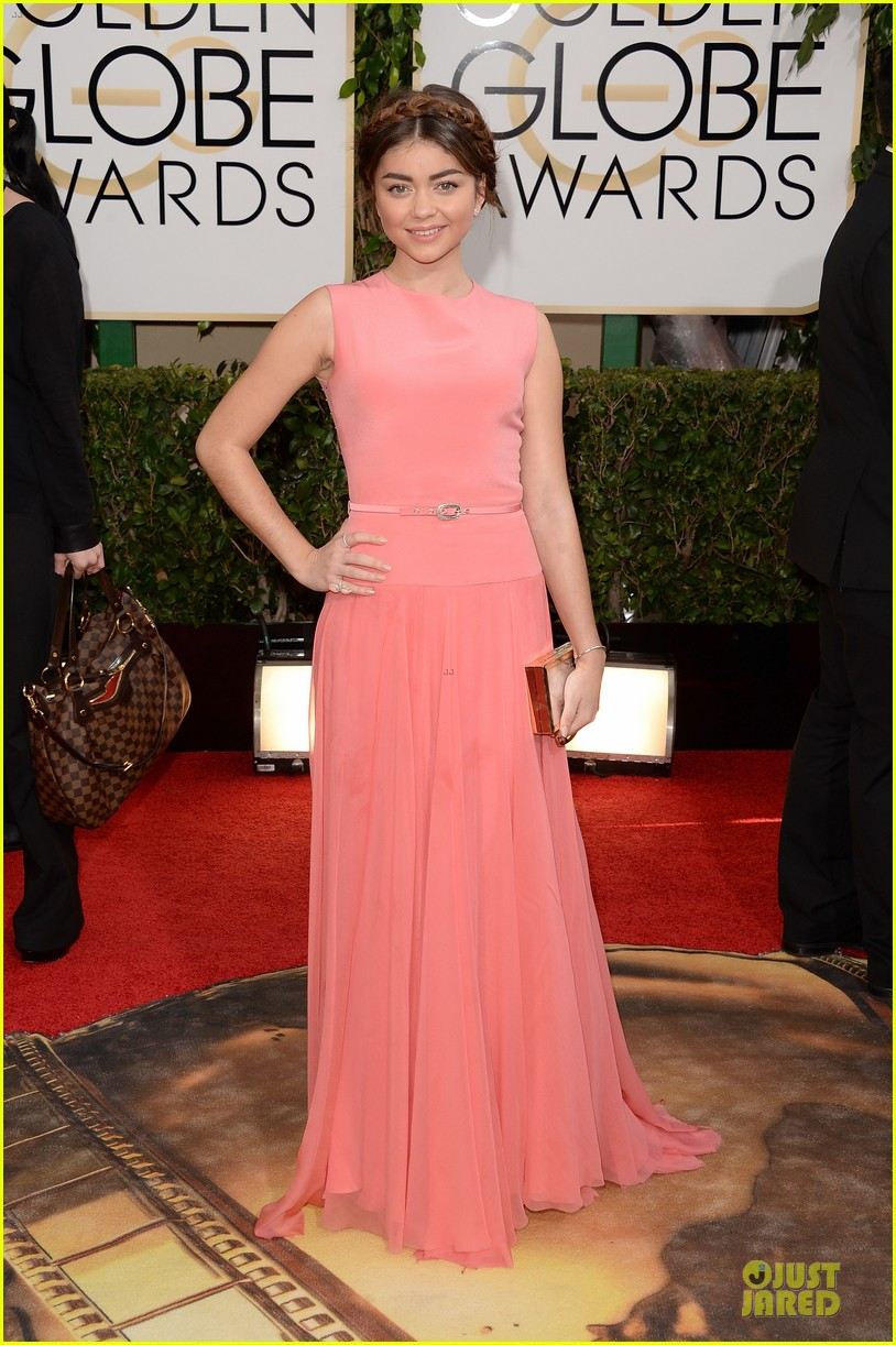 sarah hyland ariel winter golden globes 2014 red carpet 01