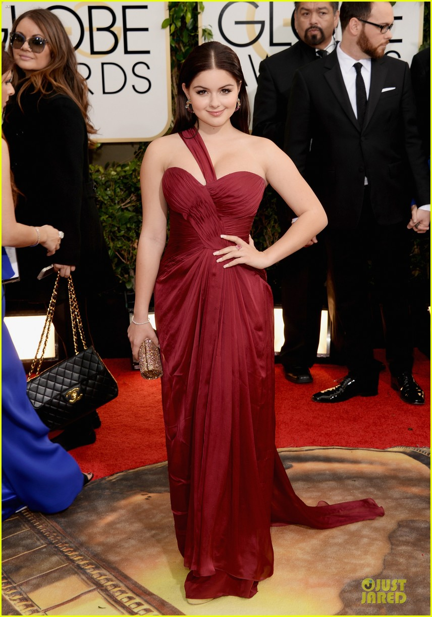 sarah hyland ariel winter golden globes 2014 red carpet 05