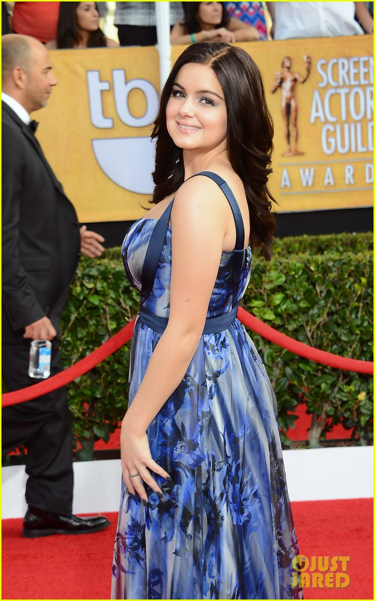sarah hyland ariel winter sag awards 2014 red carpet 12