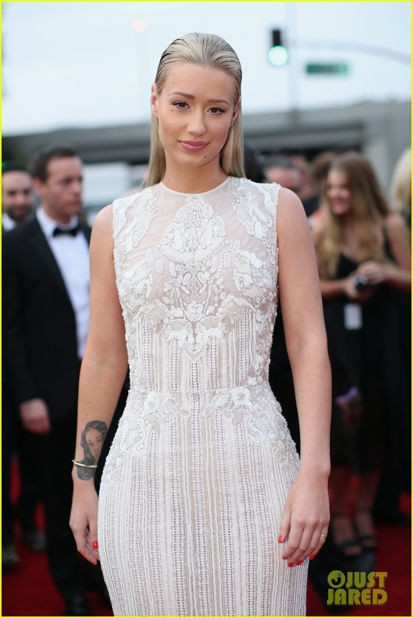iggy azelea grammys 2014 red carpet 043041645