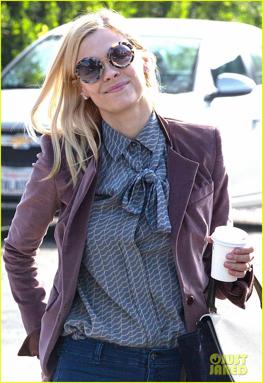 jaime king kyle newman west hollywood lunch date 013023040
