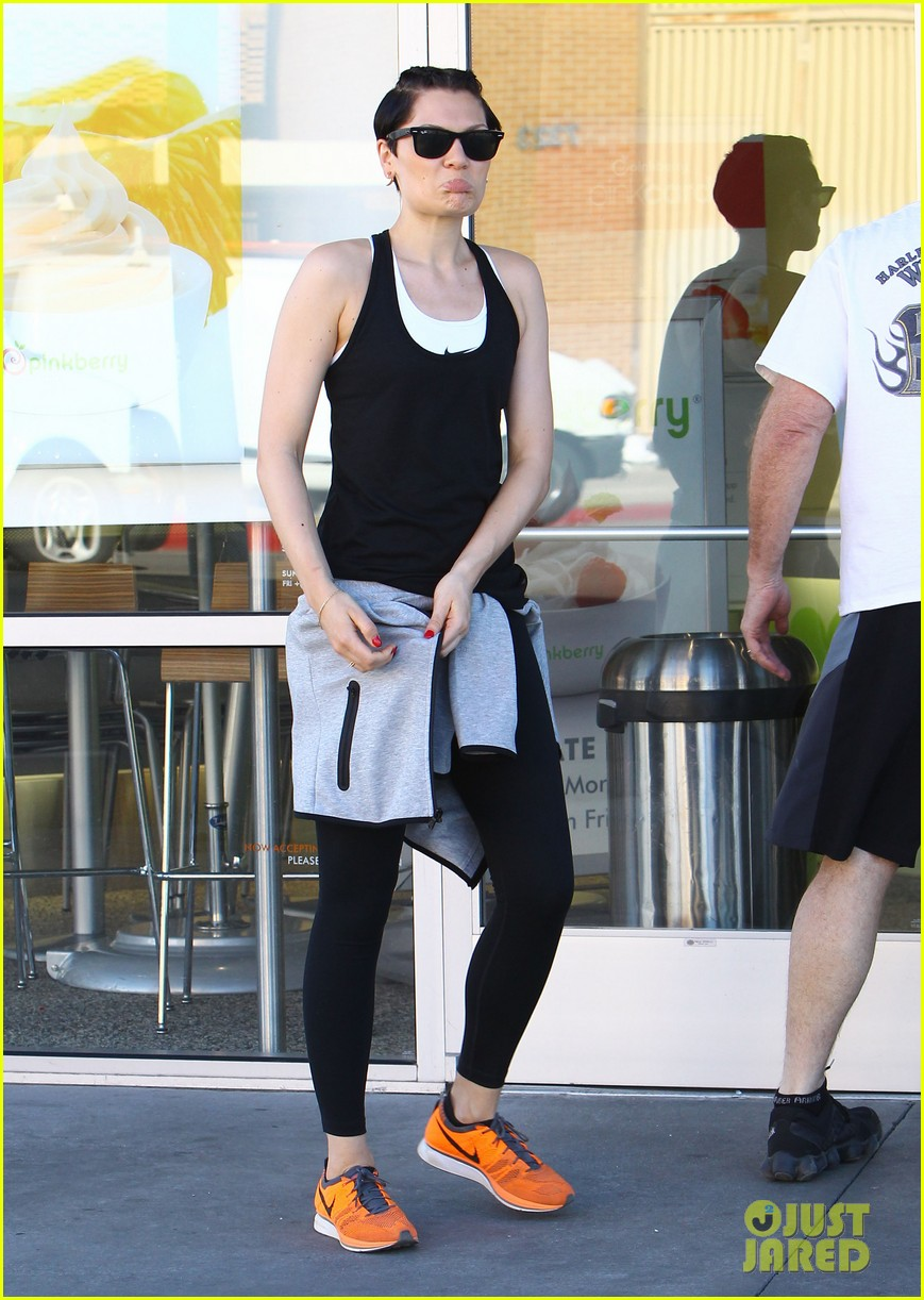 jessie j rocks blue hair while spending time in la 103032522